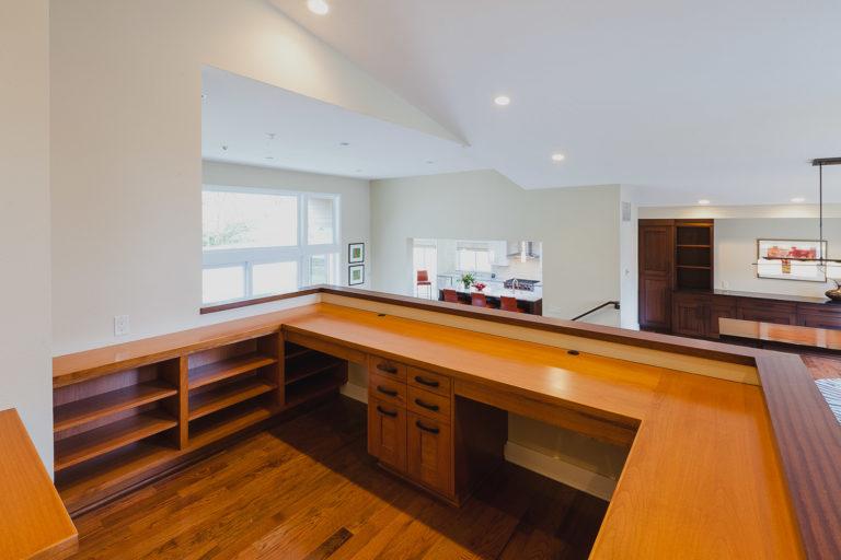 Salem Oregon | Built-In Office Workspace