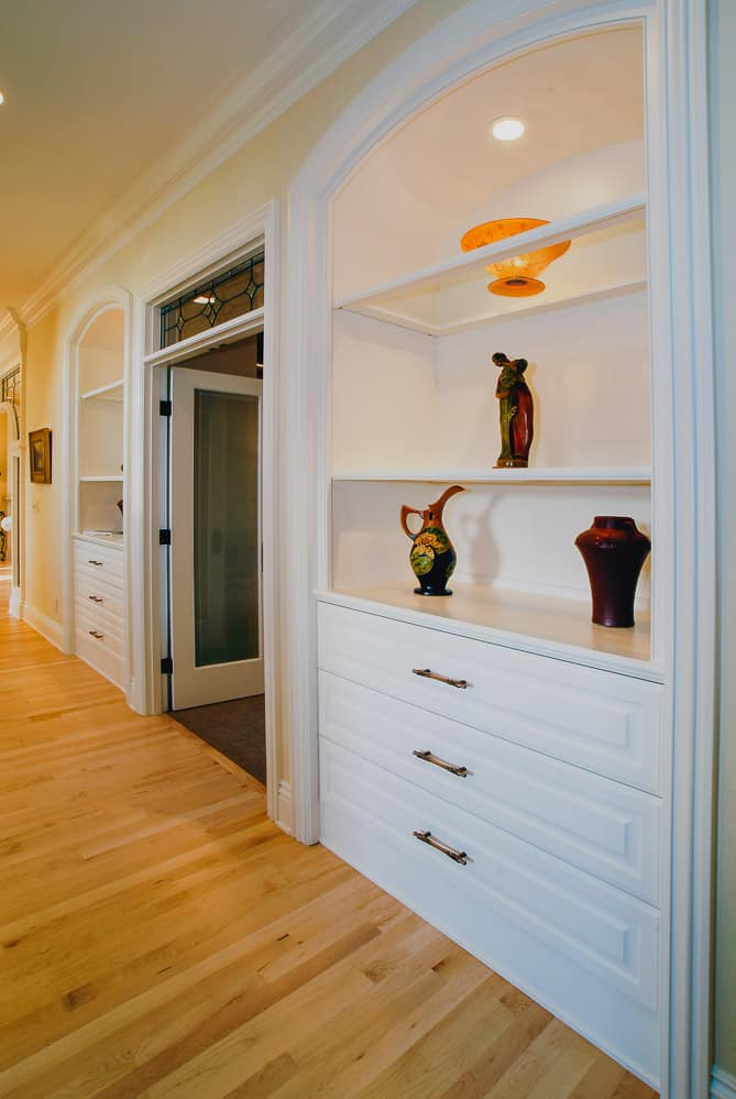 Fairview Oregon | Hallway Art Display Cabinetry