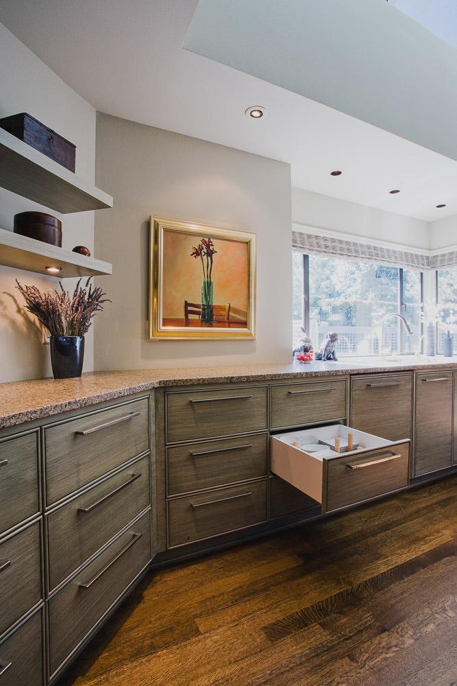 kitchen, hardwood floor, drawer organizer, faux finish cabinet, granite counter, shelves
